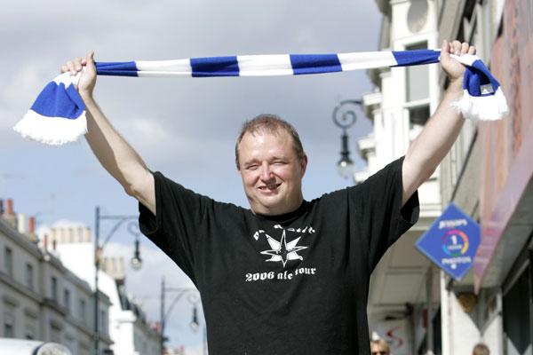 Brighton seal promotion to Premier League